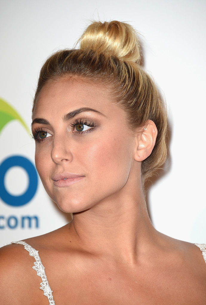 Cassie Scerbo Without Makeup Photo