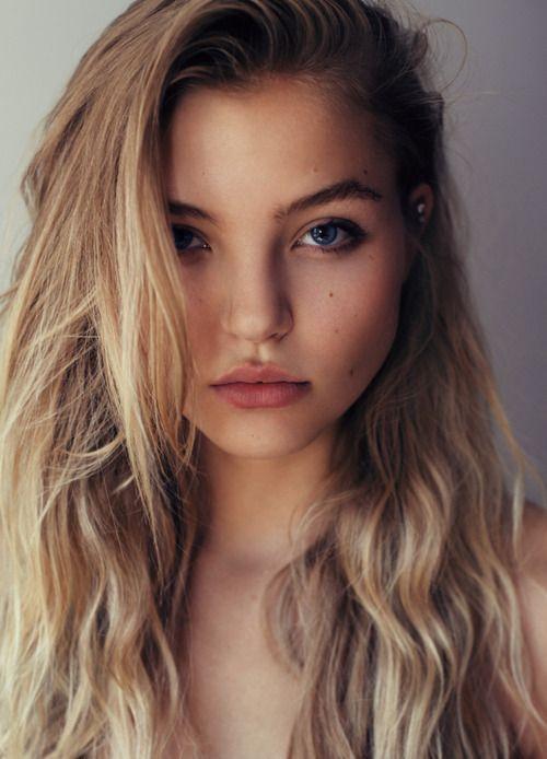 Rachel Hilbert Without Makeup Photo
