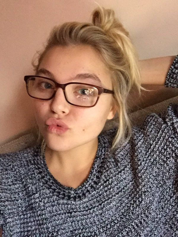 Rachel Hilbert Without Makeup
